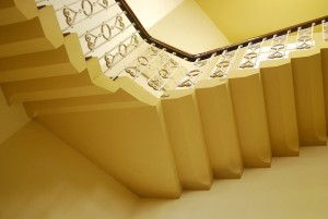 640px-Old_Courthouse_Staircase_Derby_Russ_Hamer